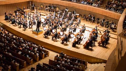 Foto de arquivo de apresentação da orquestra