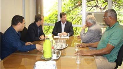 Foto do prefeito e vereadores de Barão de Cocais no Ibama)
