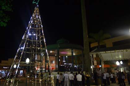 Foto de apresentação na praça Nossa Senhora Aparecida