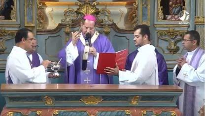 Foto de celebração da missa de consagração