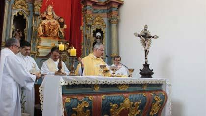 Foto de missa na Basílica da Piedade - Ermida