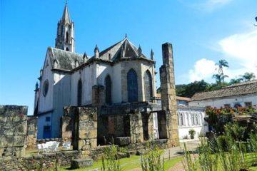 Foto da igreja do Santuário do Caraça