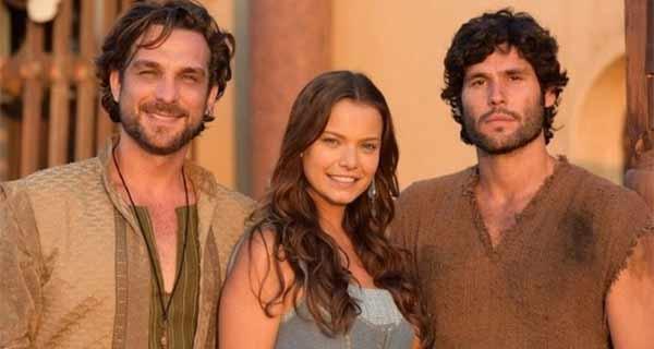 Foto de Igor Rickli, Milena Toscano e Dudu Azevedo que integram o elenco