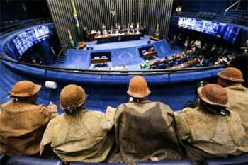 Foto da votação da PEC no plenário da Câmara