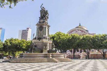Foto da Praça de São Sebastião, em Manaus