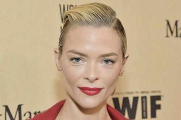 Foto de Jaime King (Rose)