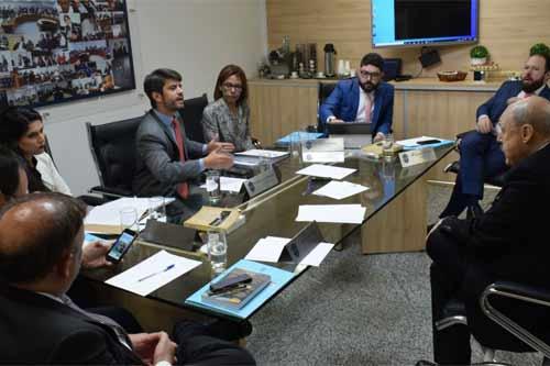 Foto de reunião do STJD