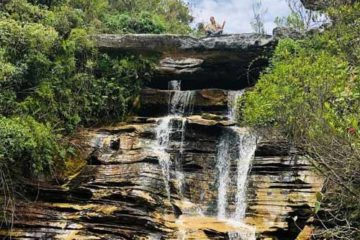 Foto de cachoeira no Ibitipoca