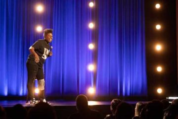 Foto de Leslie Jones no palco